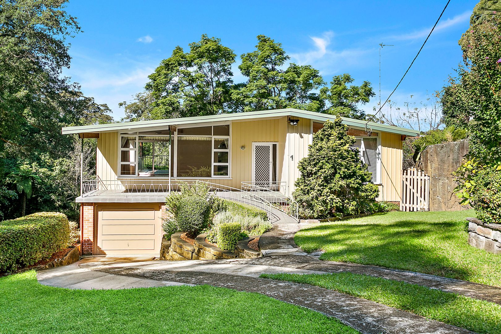 1 Balfour Road, Austinmer NSW 2515, Image 0