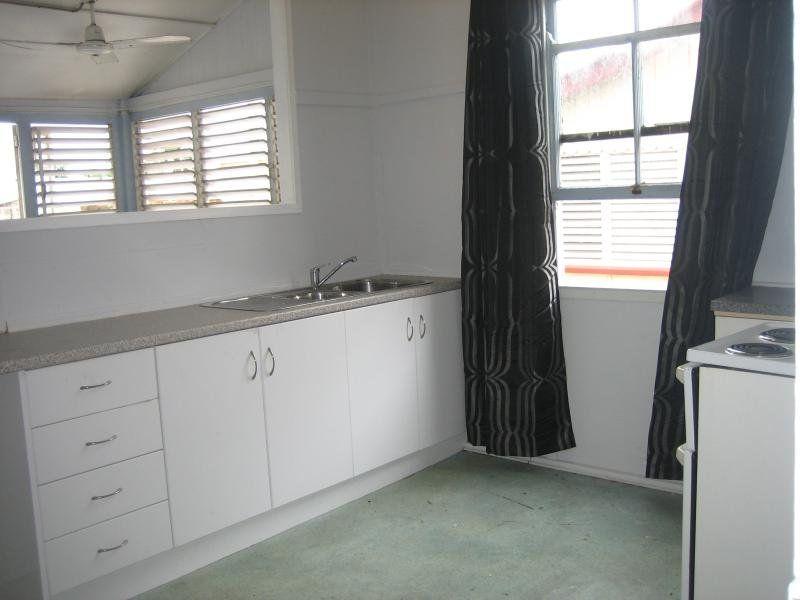 2/1-3 Fletcher Street, Townsville City QLD 4810, Image 0