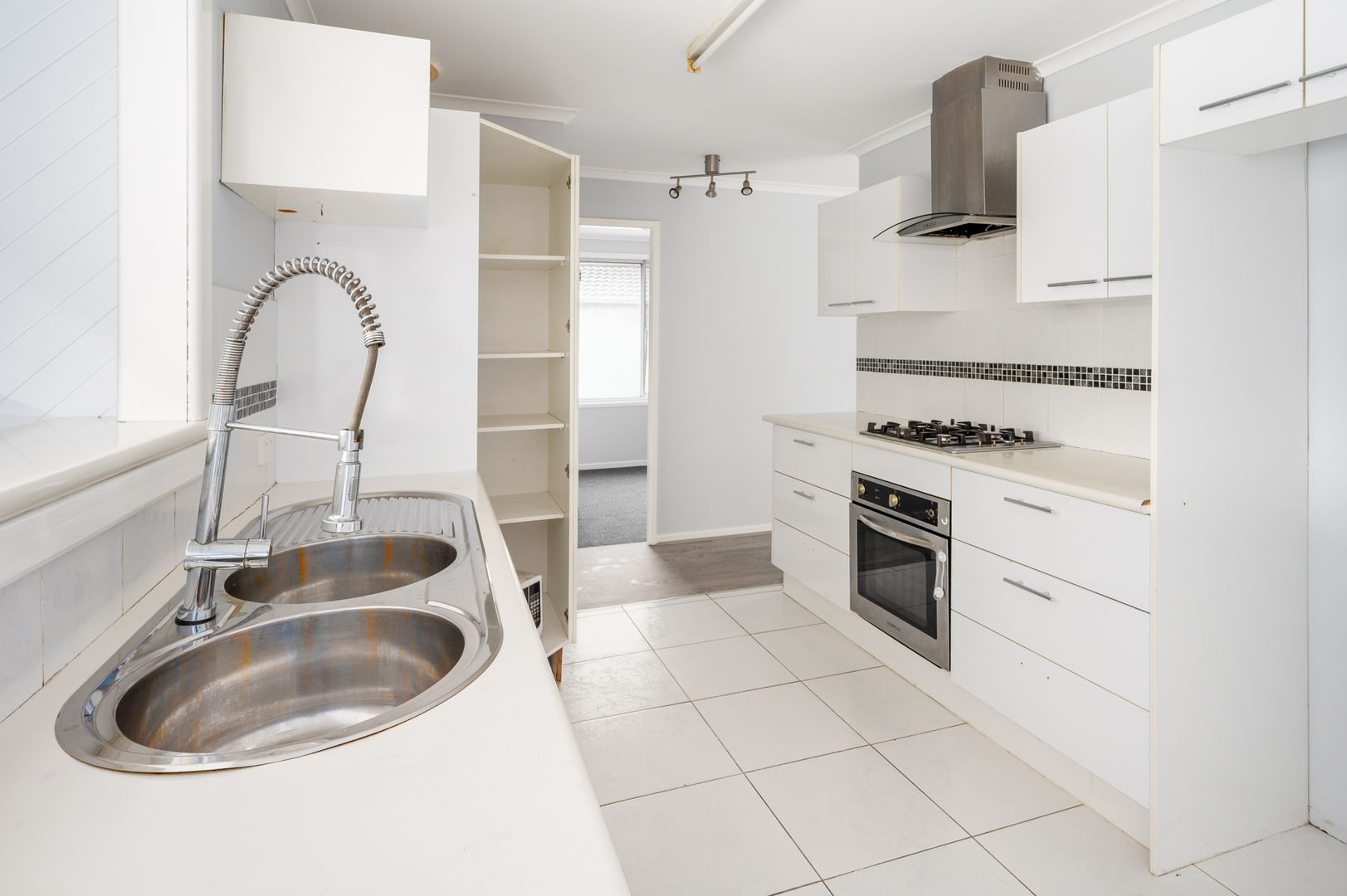 4 Woolley Close, Thornton NSW 2322, Image 1