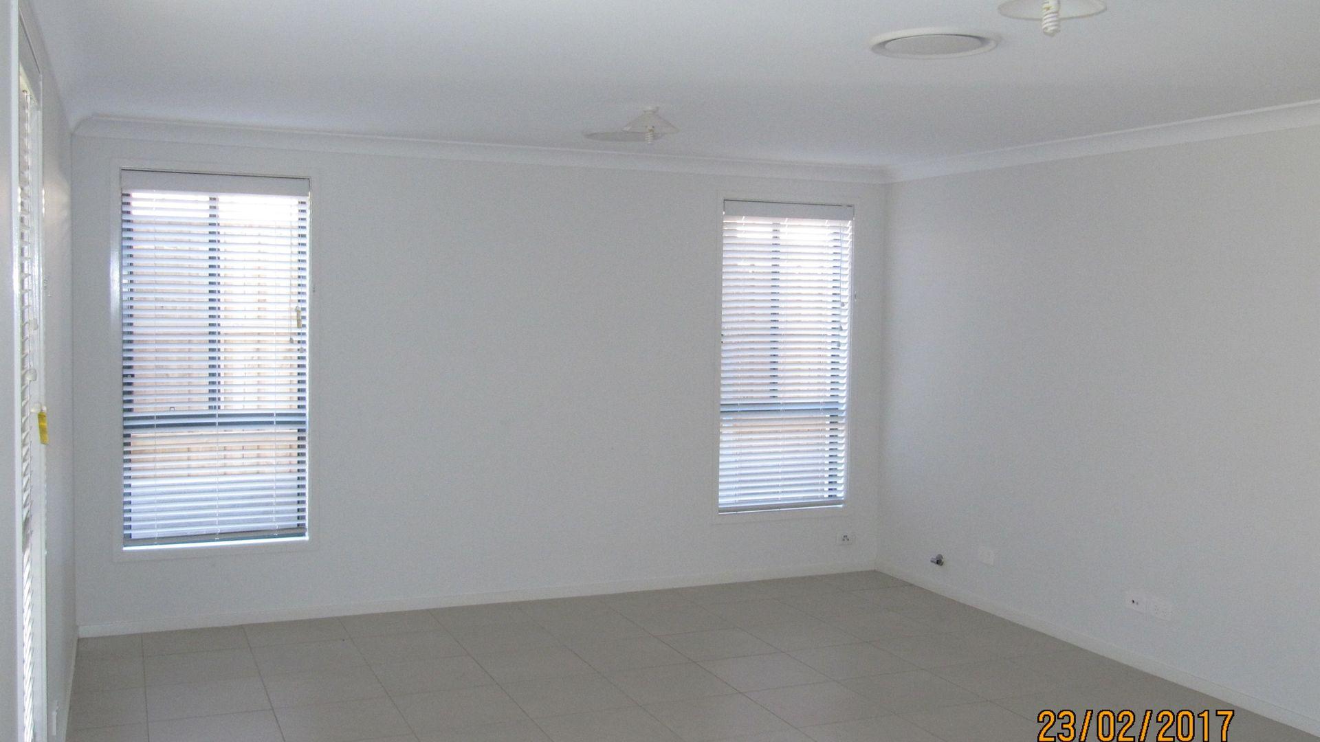 9 Wilkins Street, Middleton Grange NSW 2171, Image 2