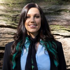 Jessica Holt, Sales representative