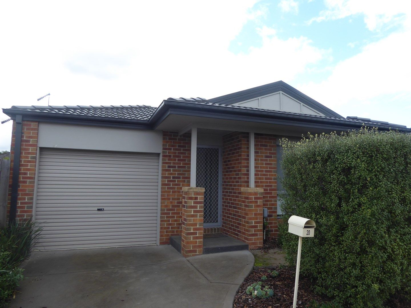 20/11 Hawk Avenue, Pakenham VIC 3810, Image 0
