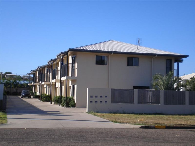 2/34 Poole Street, Bowen QLD 4805, Image 0