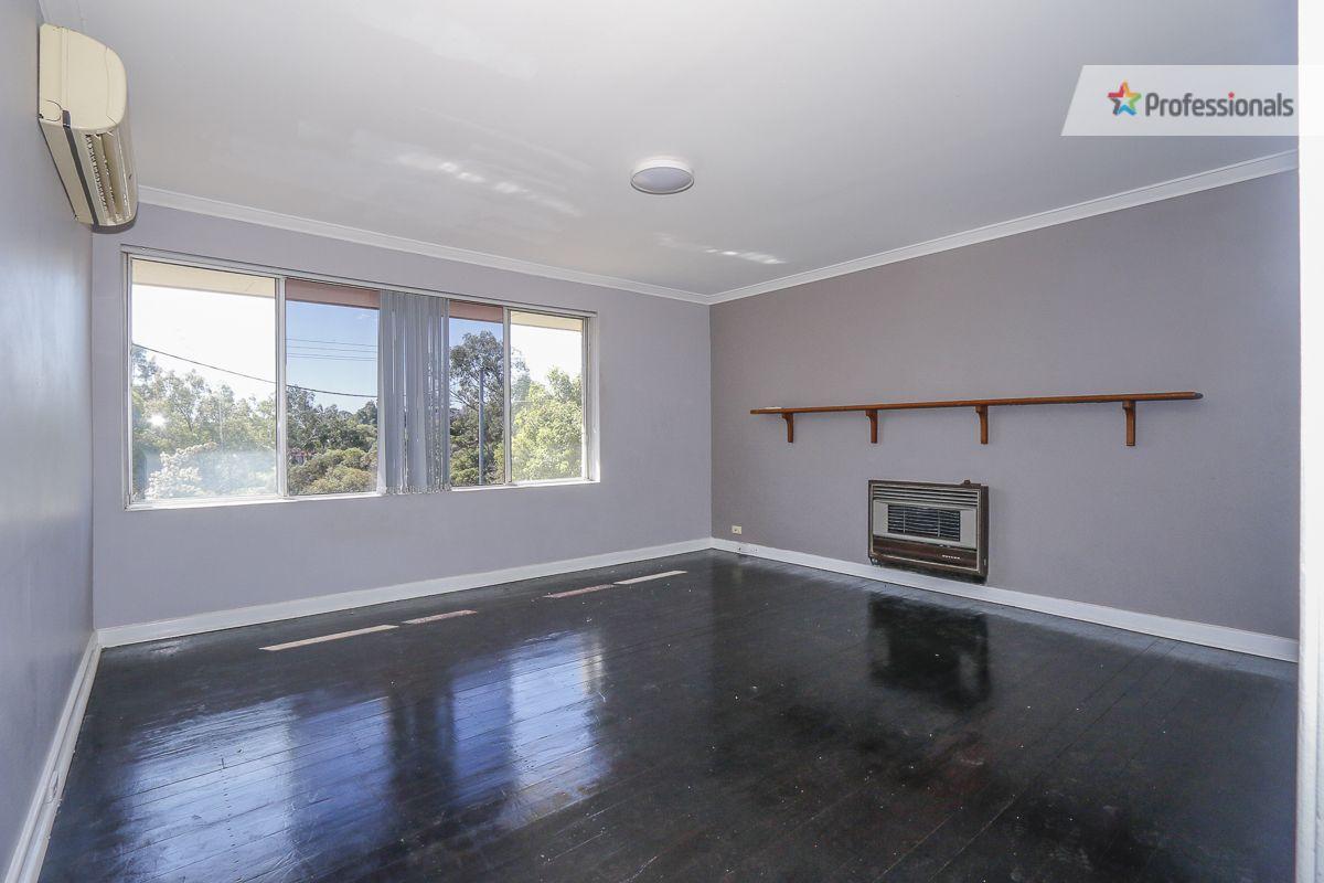 20 Churchill Drive, Swan View WA 6056, Image 1