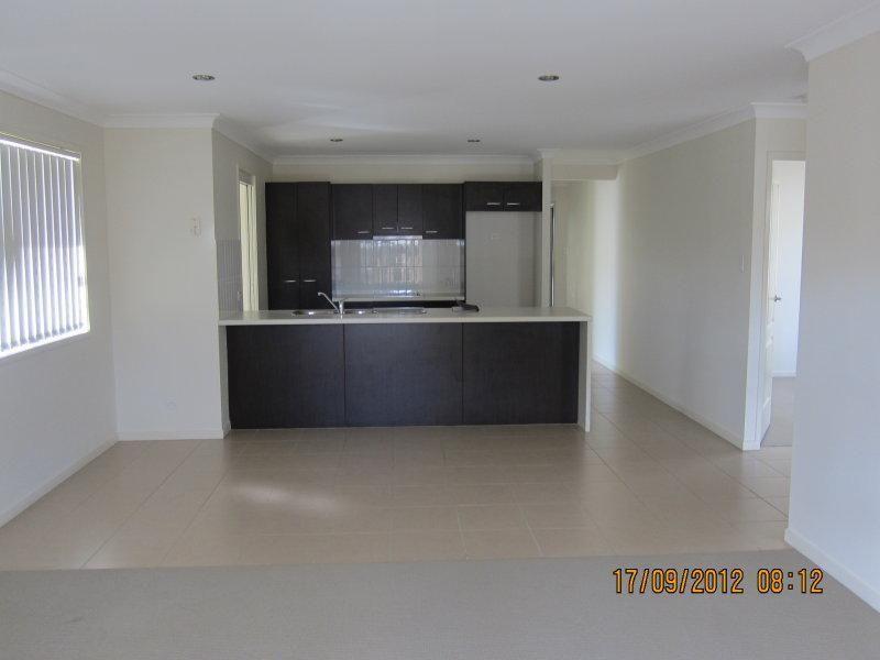 64 Ernestine Circuit, Eagleby QLD 4207, Image 2