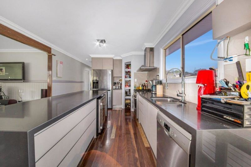 36 Busteed Street, West Gladstone QLD 4680, Image 2
