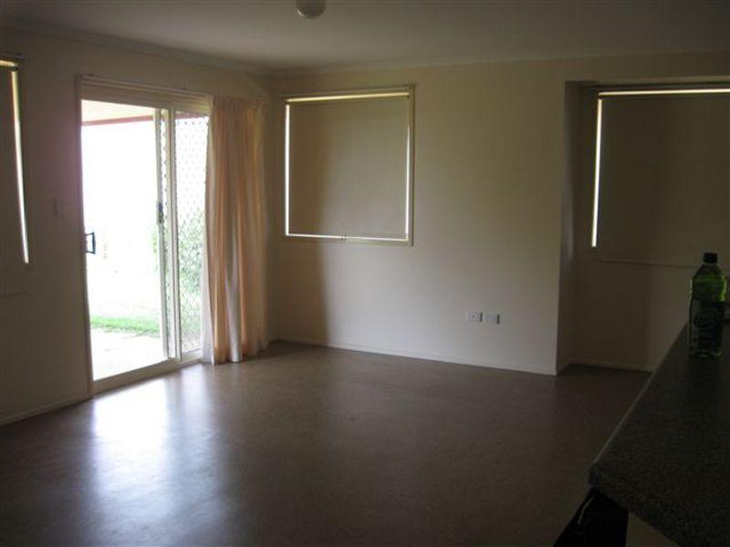 13 Dalrello Court, Glenvale QLD 4350, Image 2