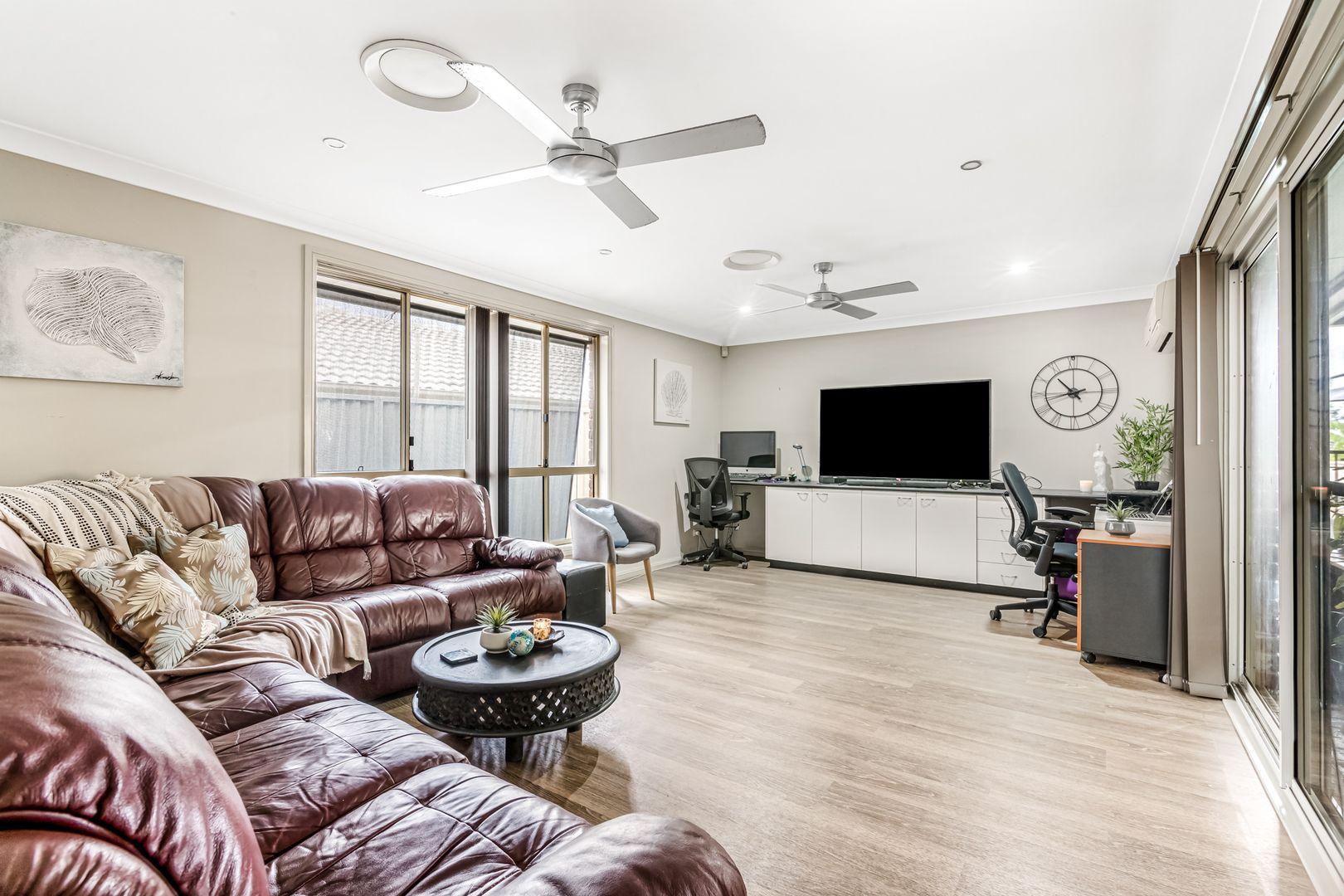 15 Blacket Place, West Hoxton NSW 2171, Image 1