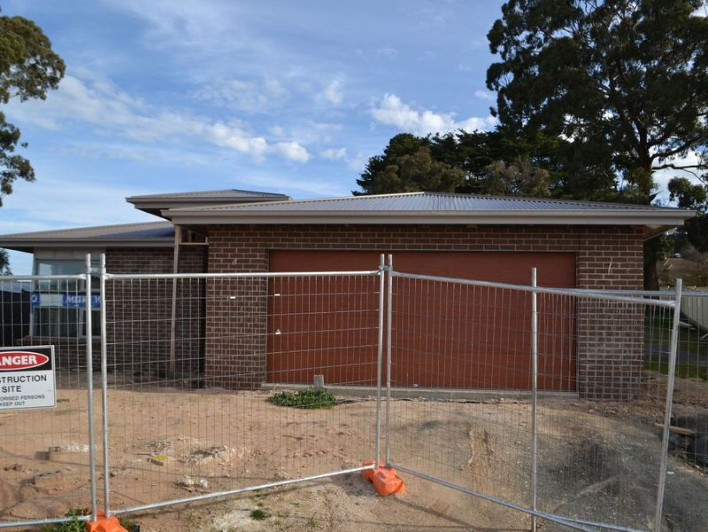 10 Banksia Court, Beaufort VIC 3373, Image 0