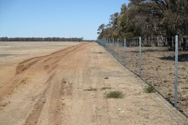 Picture of 2553 Acres Farming or Grazing, MEANDARRA QLD 4422