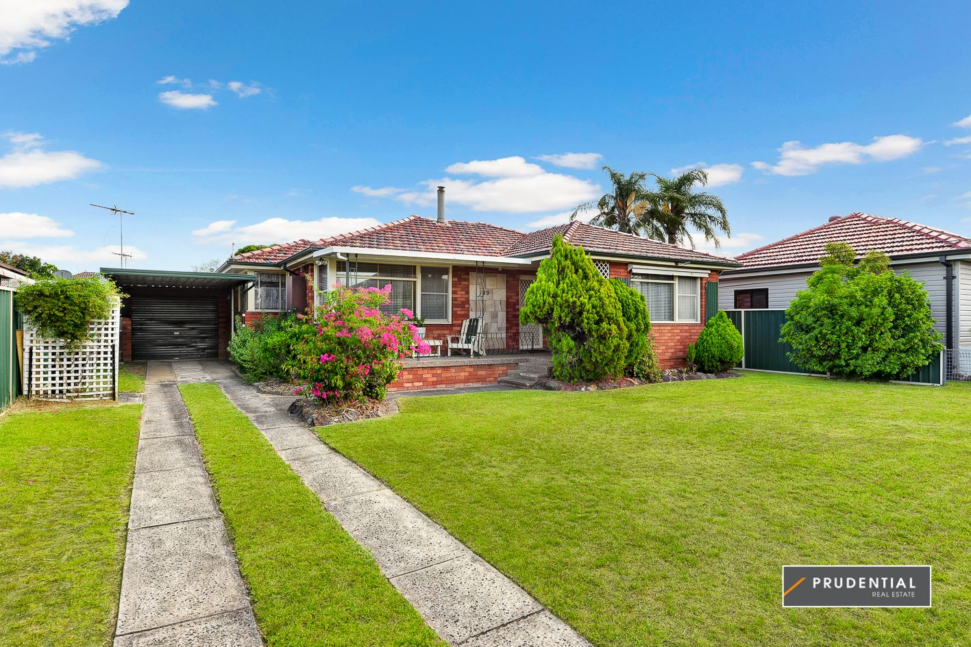 19 First Avenue, Macquarie Fields NSW 2564, Image 0