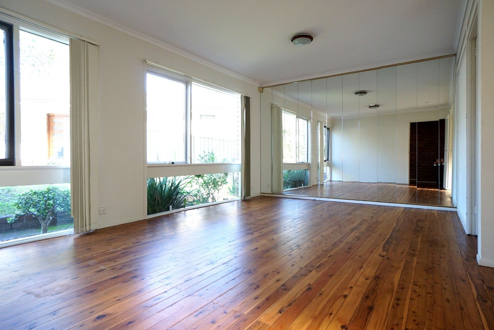 1 Yarralumla  Drive, Carlingford NSW 2118, Image 2