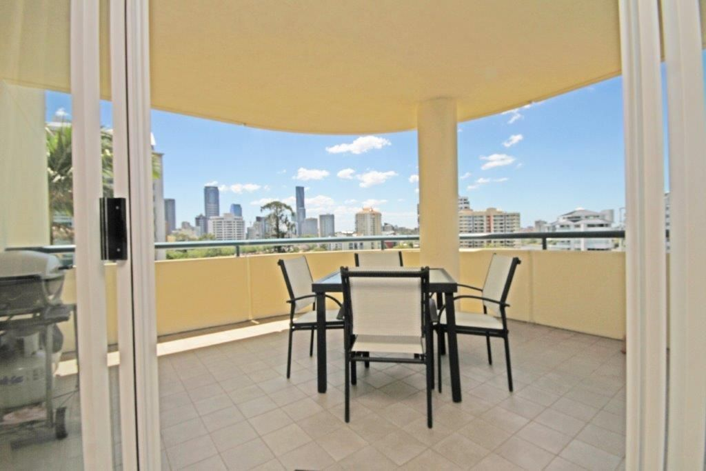 16/57 Lambert St, Kangaroo Point QLD 4169, Image 2