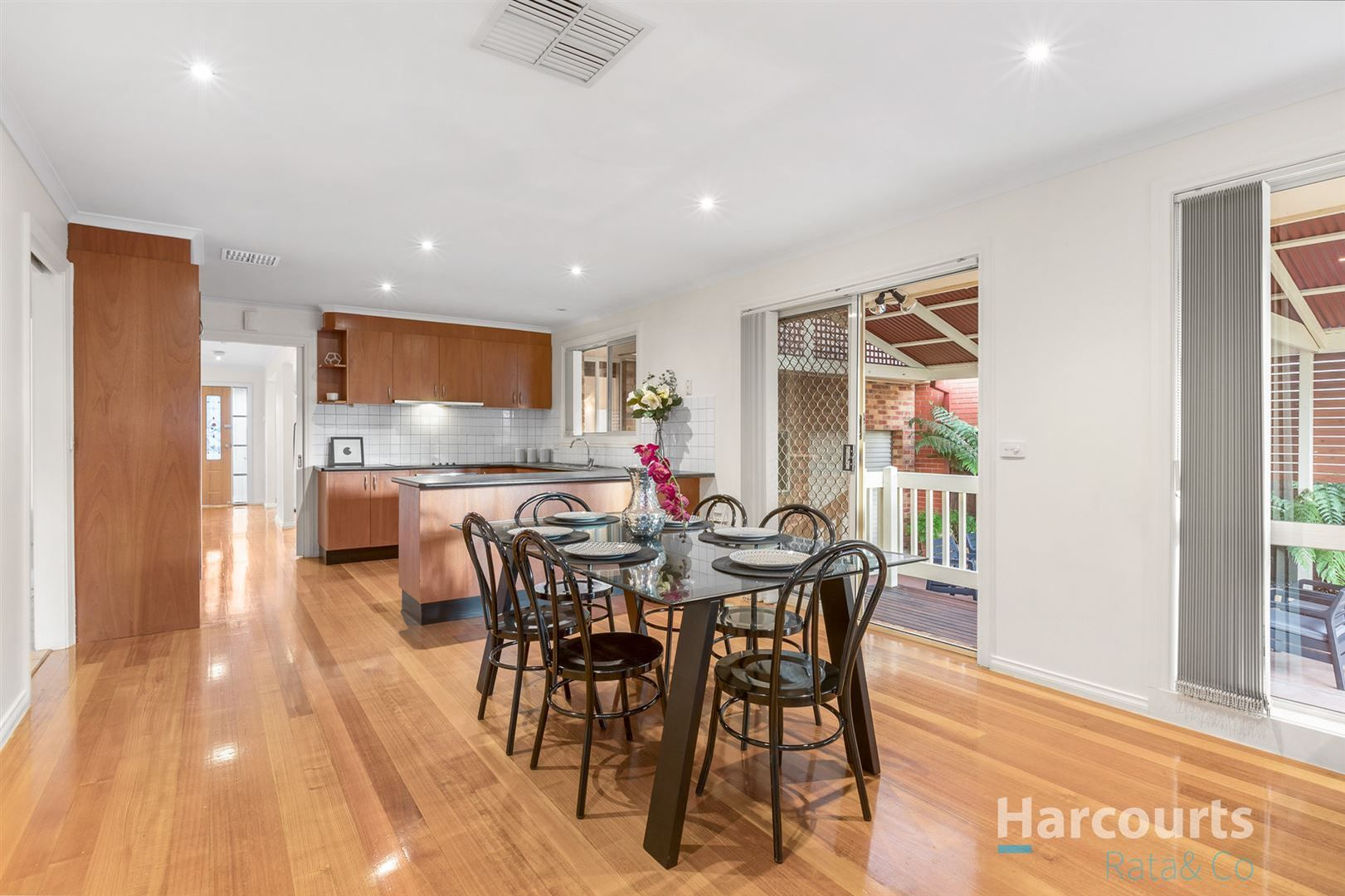 4 Boyd Place, Mill Park VIC 3082, Image 2