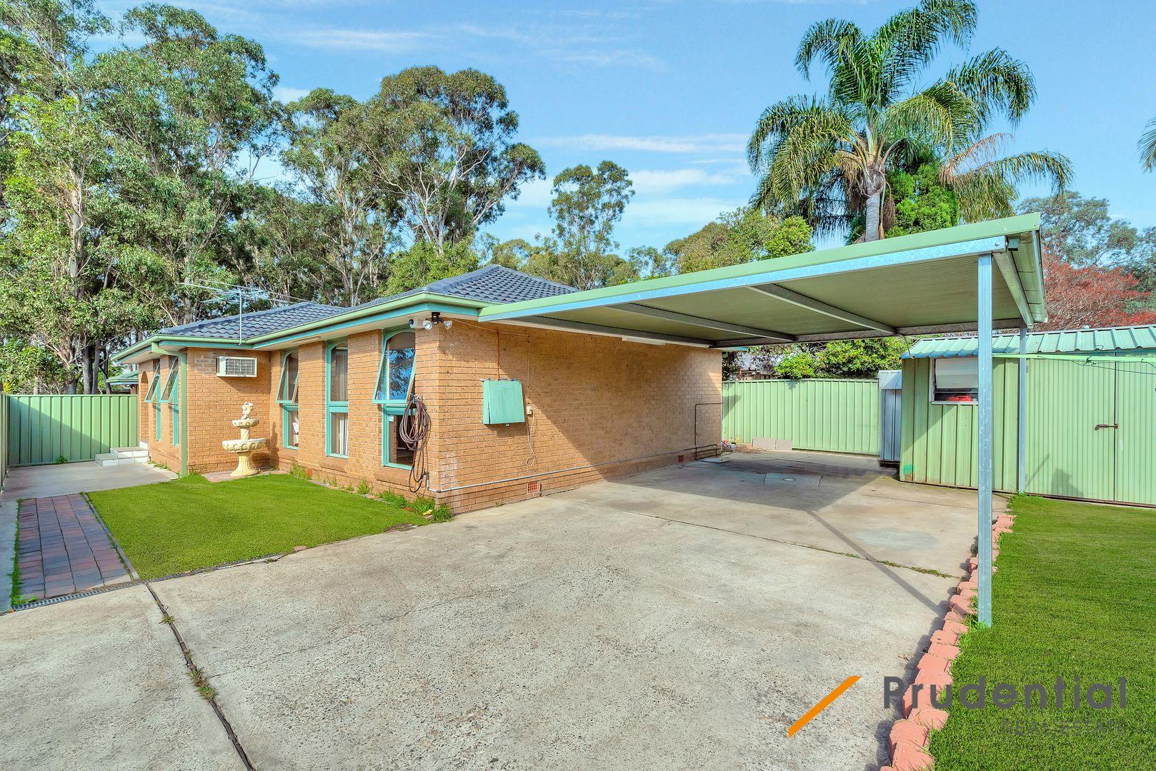 10 Kemmel Close, Bossley Park NSW 2176, Image 0