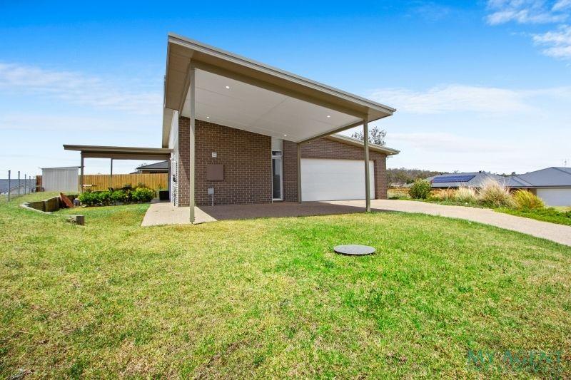 4 Dr King Close, Moruya NSW 2537, Image 0