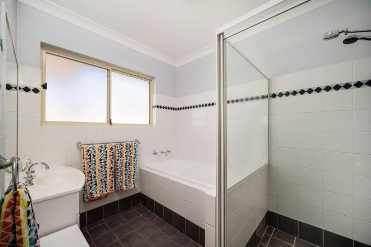 9 Fiona Place, Armidale NSW 2350, Image 2