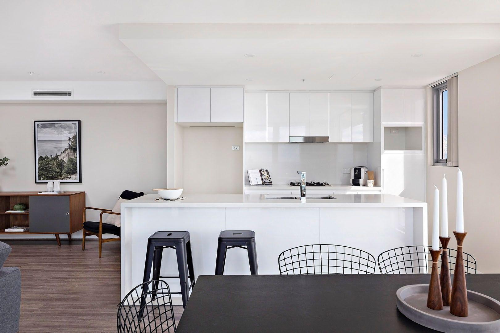 703/30 Burelli Street, Wollongong NSW 2500, Image 0