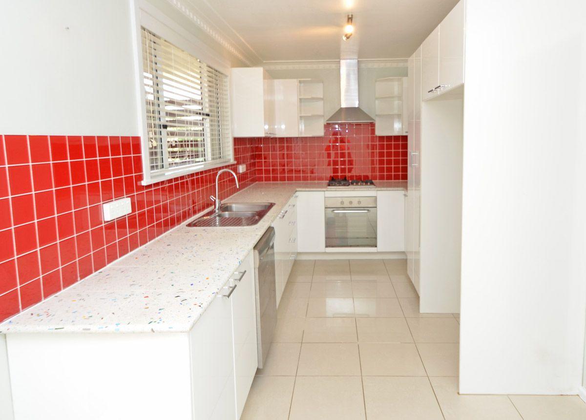 99 Glenbrook Rd, Blaxland NSW 2774, Image 2