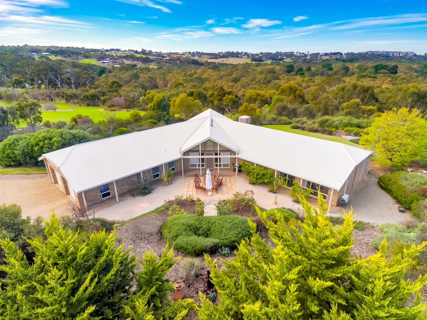 27 Clydesdale Drive, Victor Harbor SA 5211, Image 0
