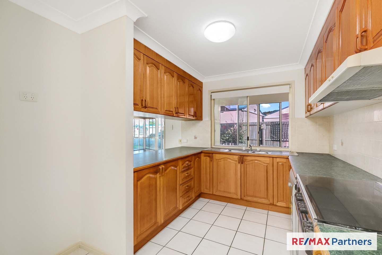 18 Skinner Crescent, Urangan QLD 4655, Image 2