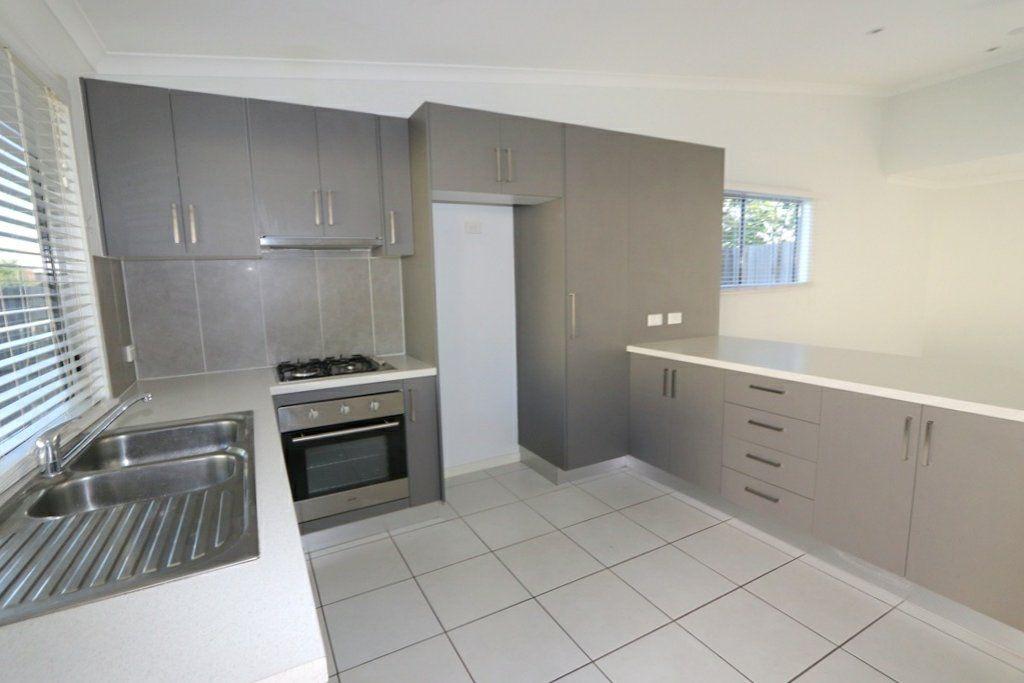 26/8 Hillcrest Street, Emerald QLD 4720, Image 2