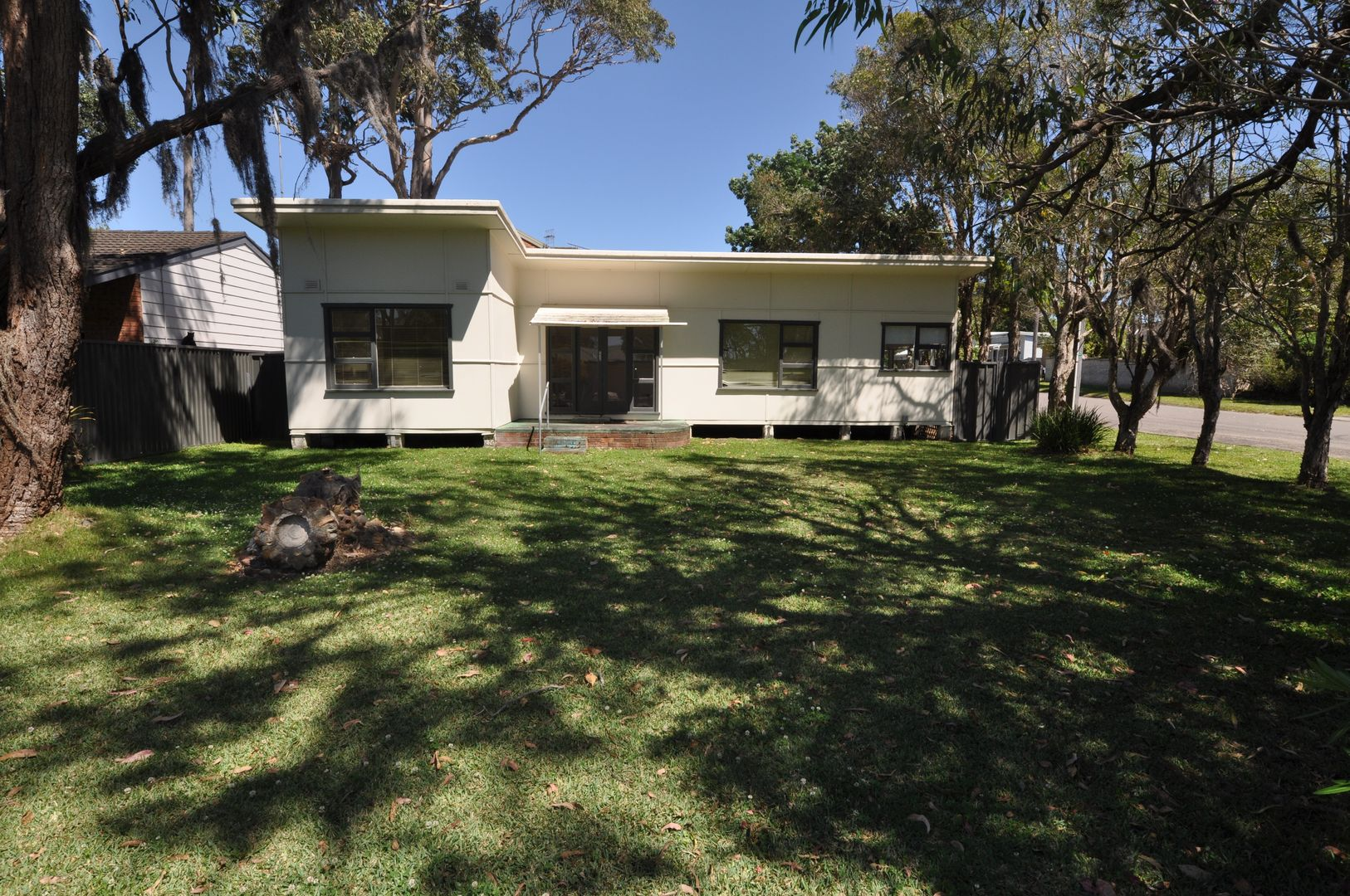 240 Lakedge  Avenue, Berkeley Vale NSW 2261, Image 0