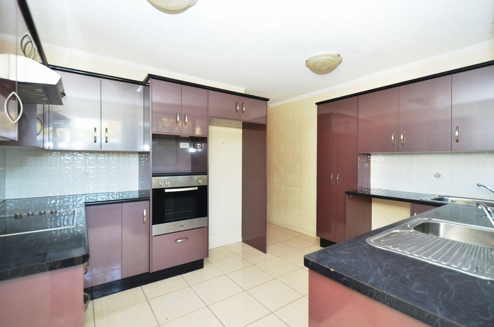 2/10 Boyes Court, Heatley QLD 4814, Image 0