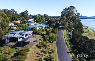 11 Beach Road, Gravelly Beach TAS 7276