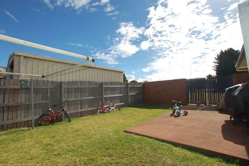 2/4 Jillian Street, Darling Heights QLD 4350, Image 1