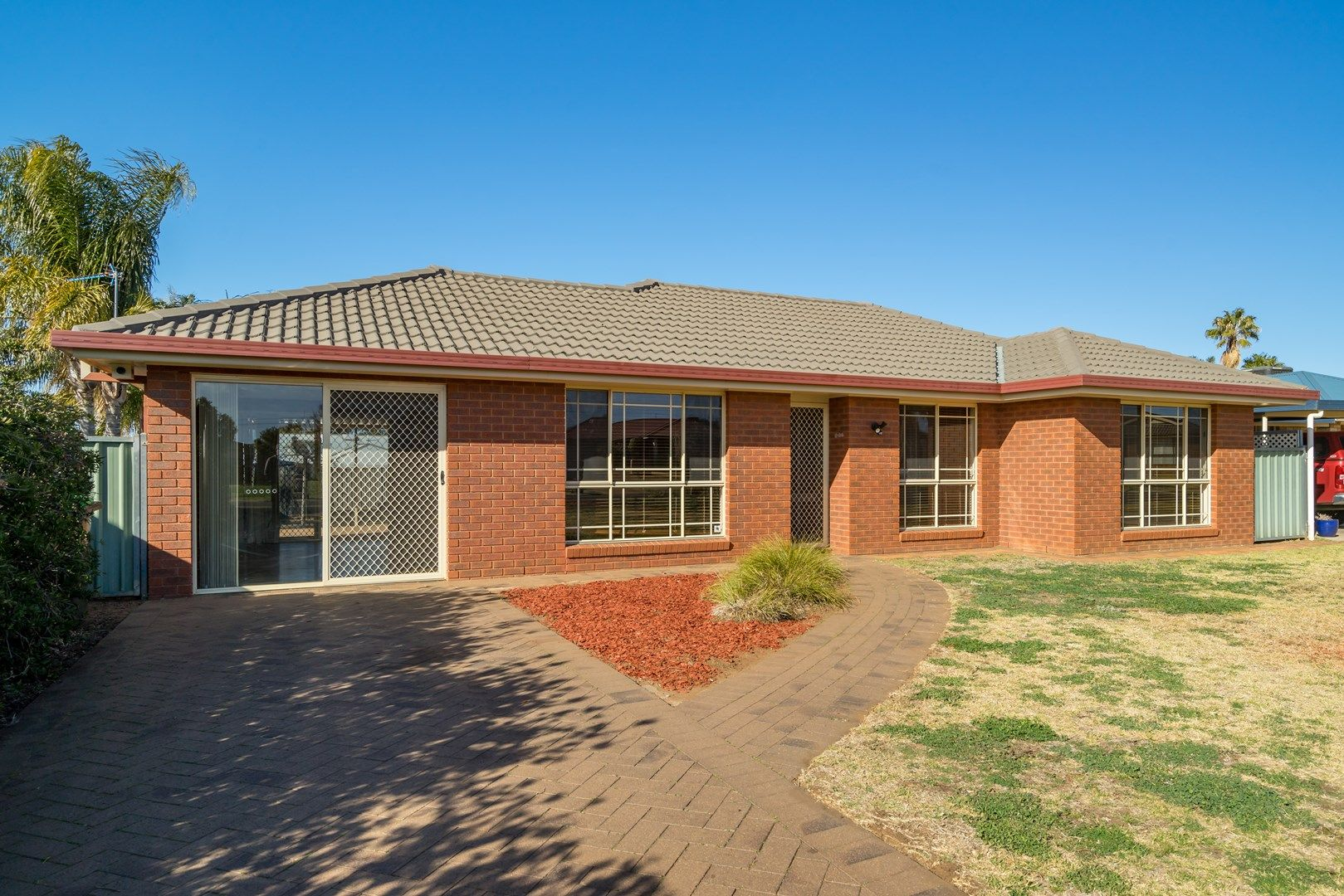 44 Meadowbank Drive, Dubbo NSW 2830, Image 0