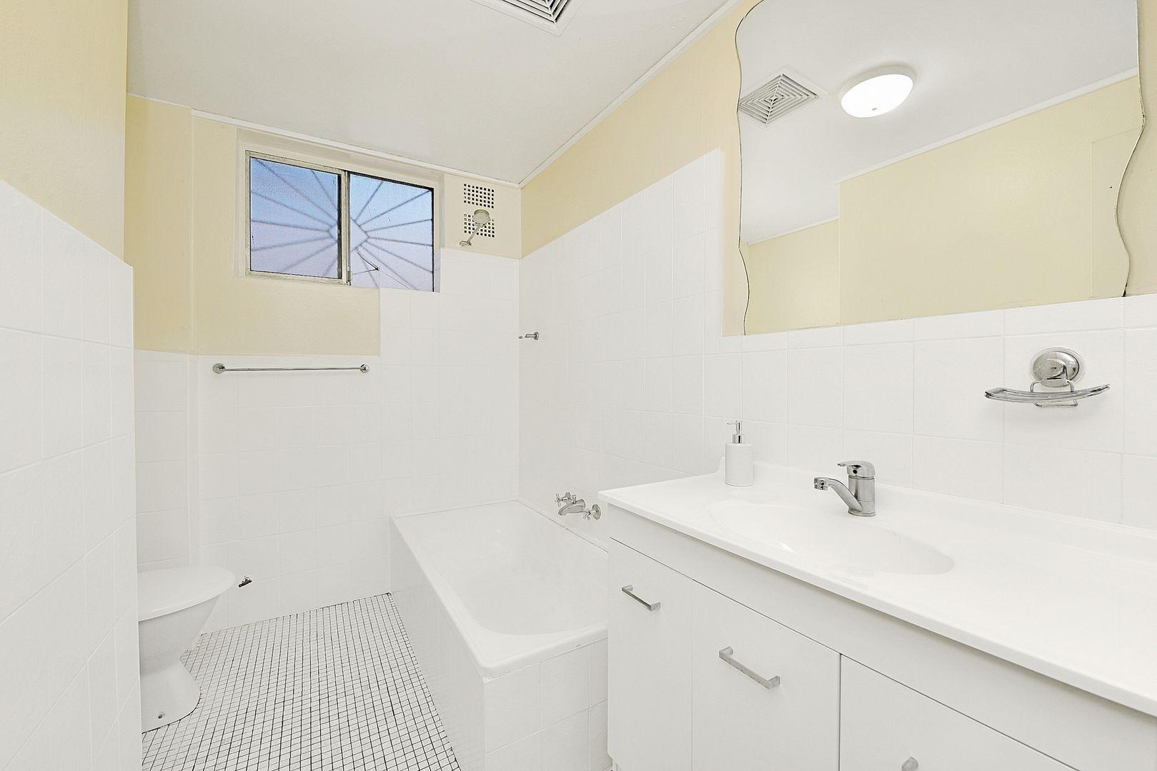 4./42 Fairmount St, Lakemba NSW 2195, Image 2