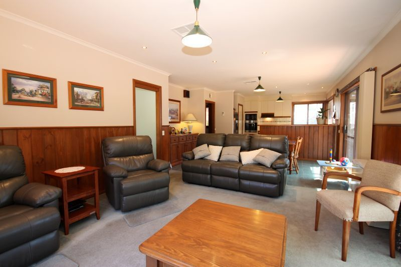 22 Flockhart St, Mount Pleasant VIC 3350, Image 1