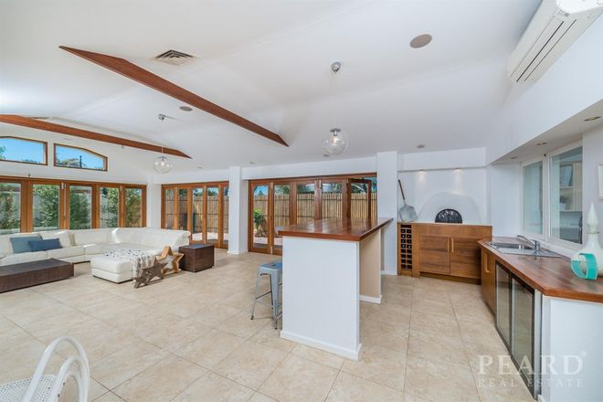 Picture of 2 Stem Place, OCEAN REEF WA 6027