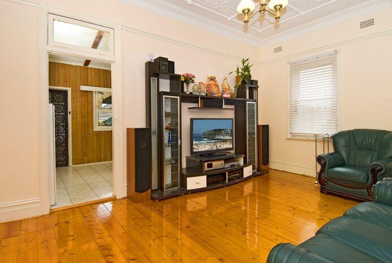 26 Jeffrey Street, Canterbury NSW 2193, Image 2