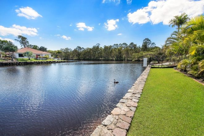 11 Glenwood Place, TWIN WATERS QLD 4564