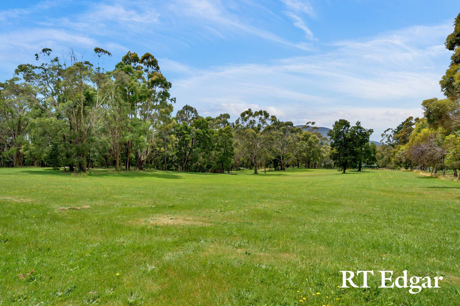 888 Black Forest Drive, Woodend VIC 3442, Image 1