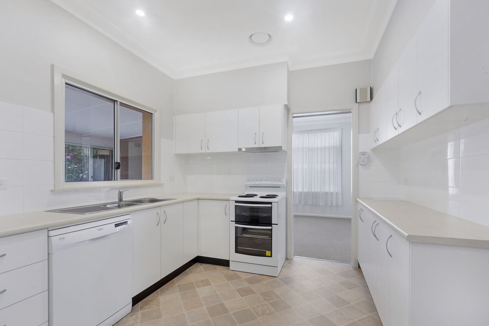 41 Huntingdale Avenue, Miranda NSW 2228, Image 1