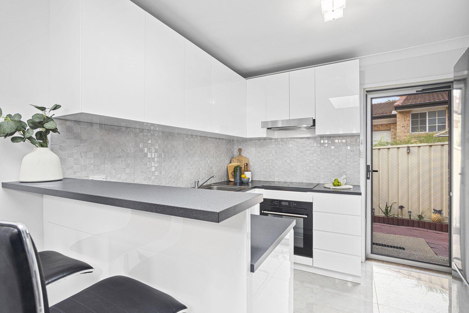 4/14 Strathearn Avenue, Wollongong NSW 2500, Image 1