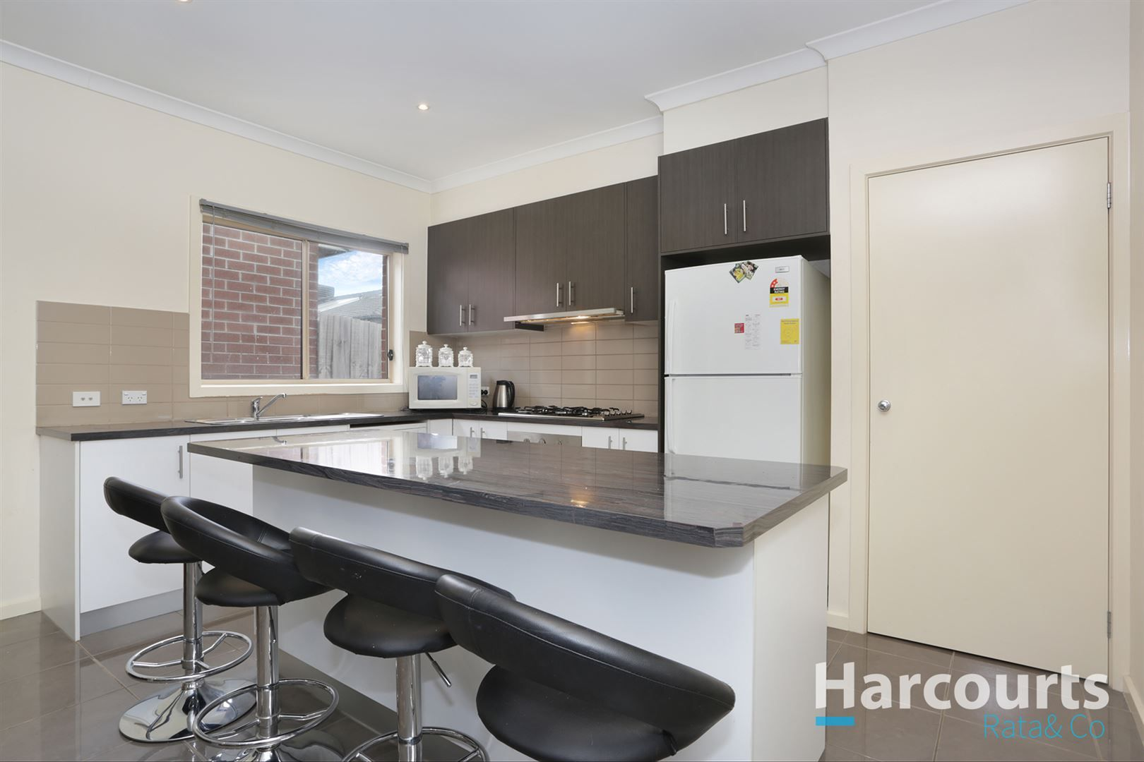 25 Camouflage Drive, Epping VIC 3076, Image 2