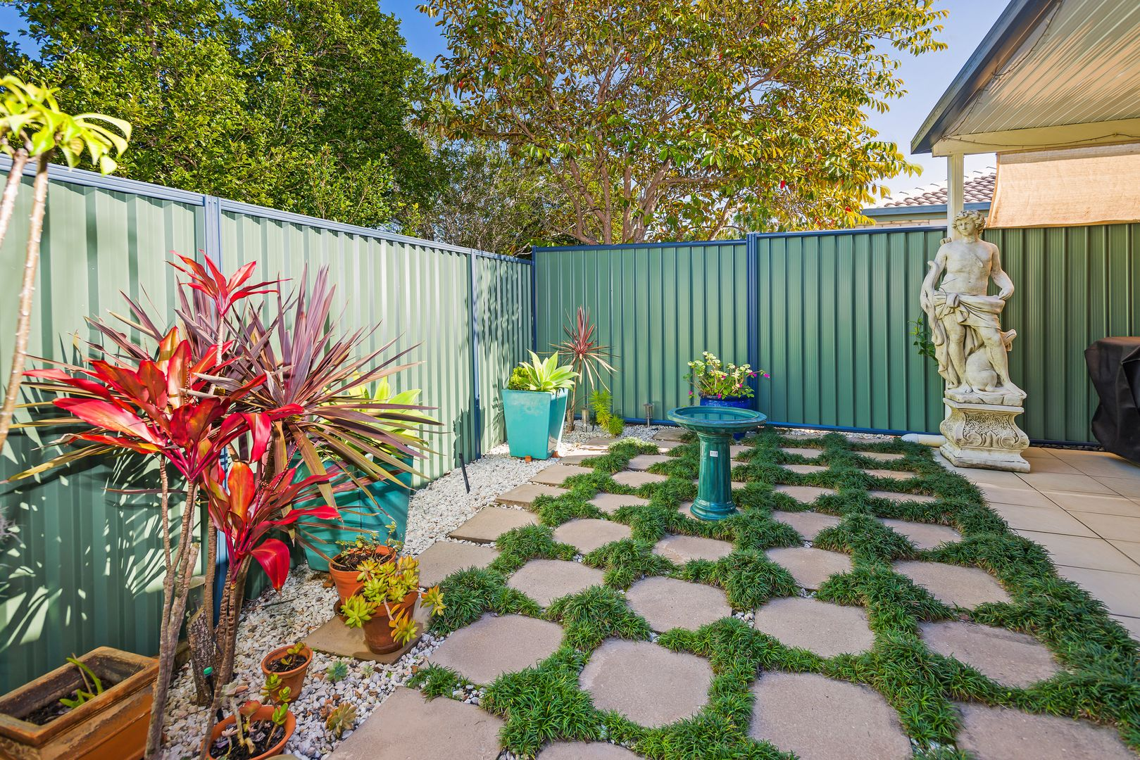 7/1 Archipelago Street, Pacific Pines QLD 4211, Image 2