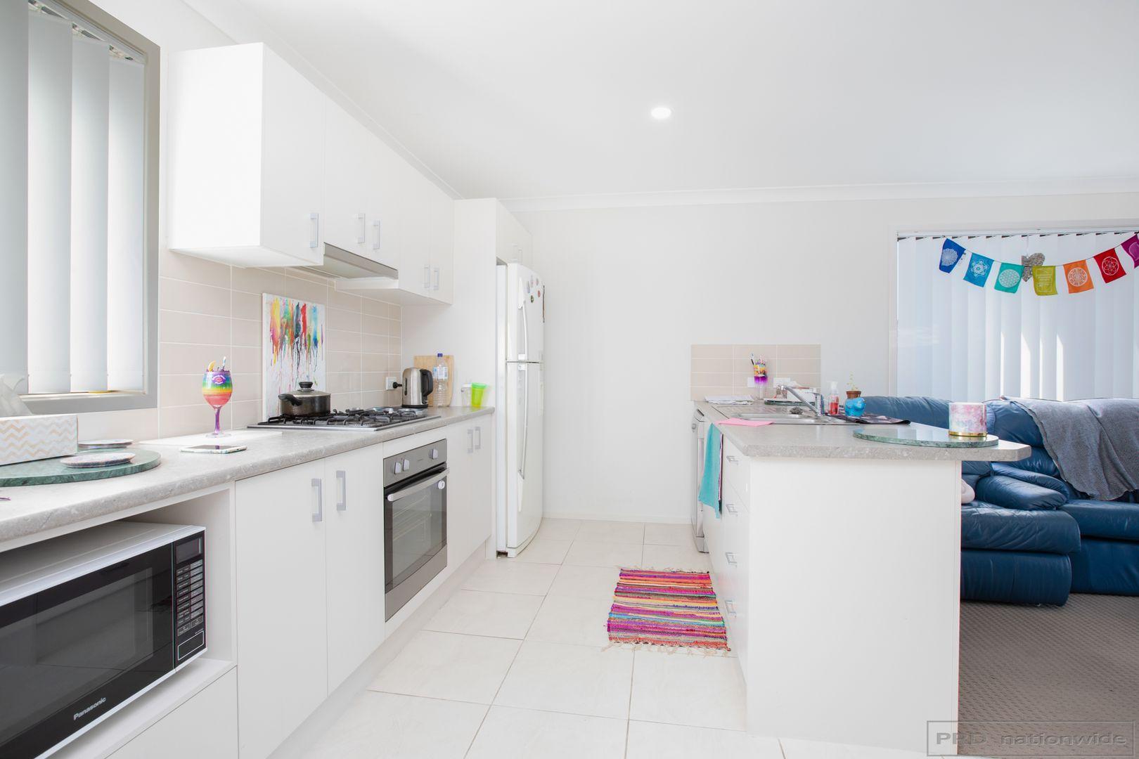 8 Skylark Avenue, Thornton NSW 2322, Image 2