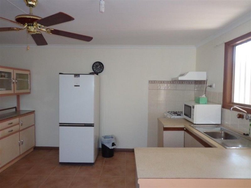 1/Lot 877 Alp Street, Coober Pedy SA 5723, Image 2