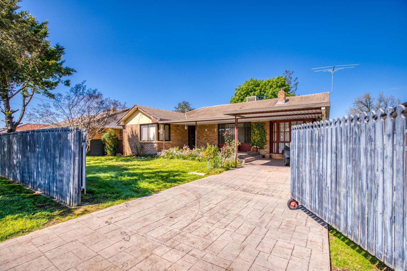 217 Kooba Street, North Albury NSW 2640, Image 0