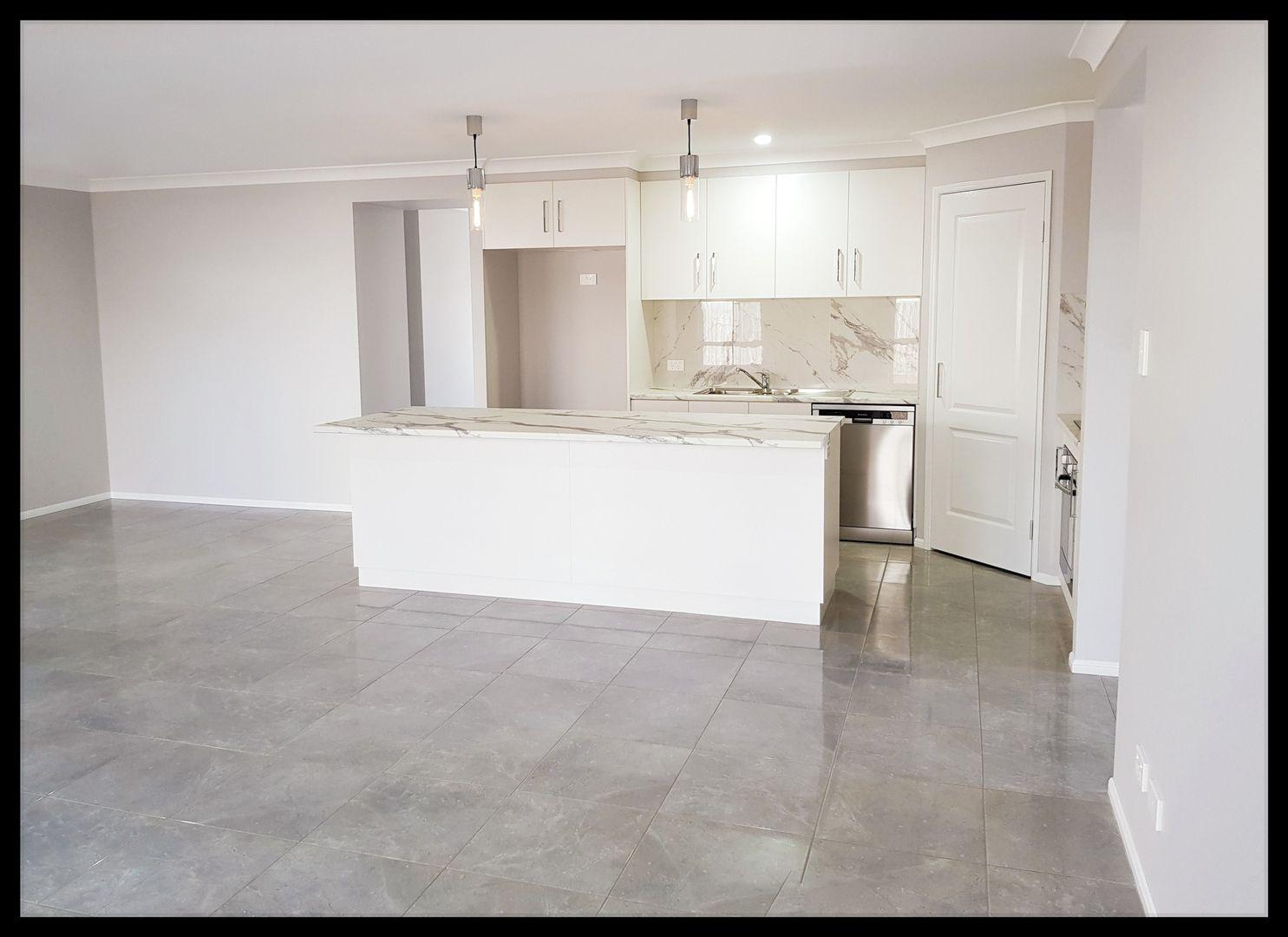 1/6 Farrer Street, Cranley QLD 4350, Image 2