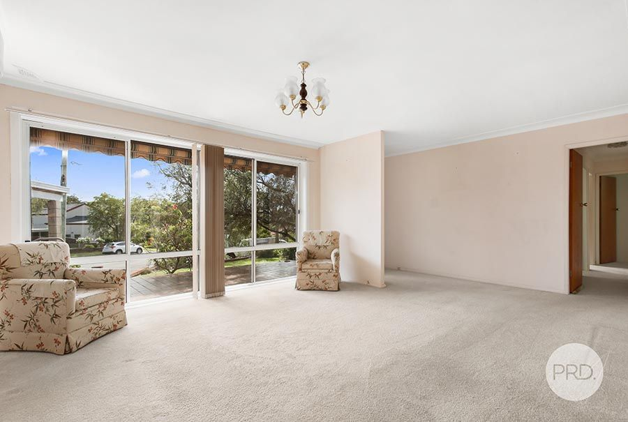 5 Carramar Place, Peakhurst Heights NSW 2210, Image 1