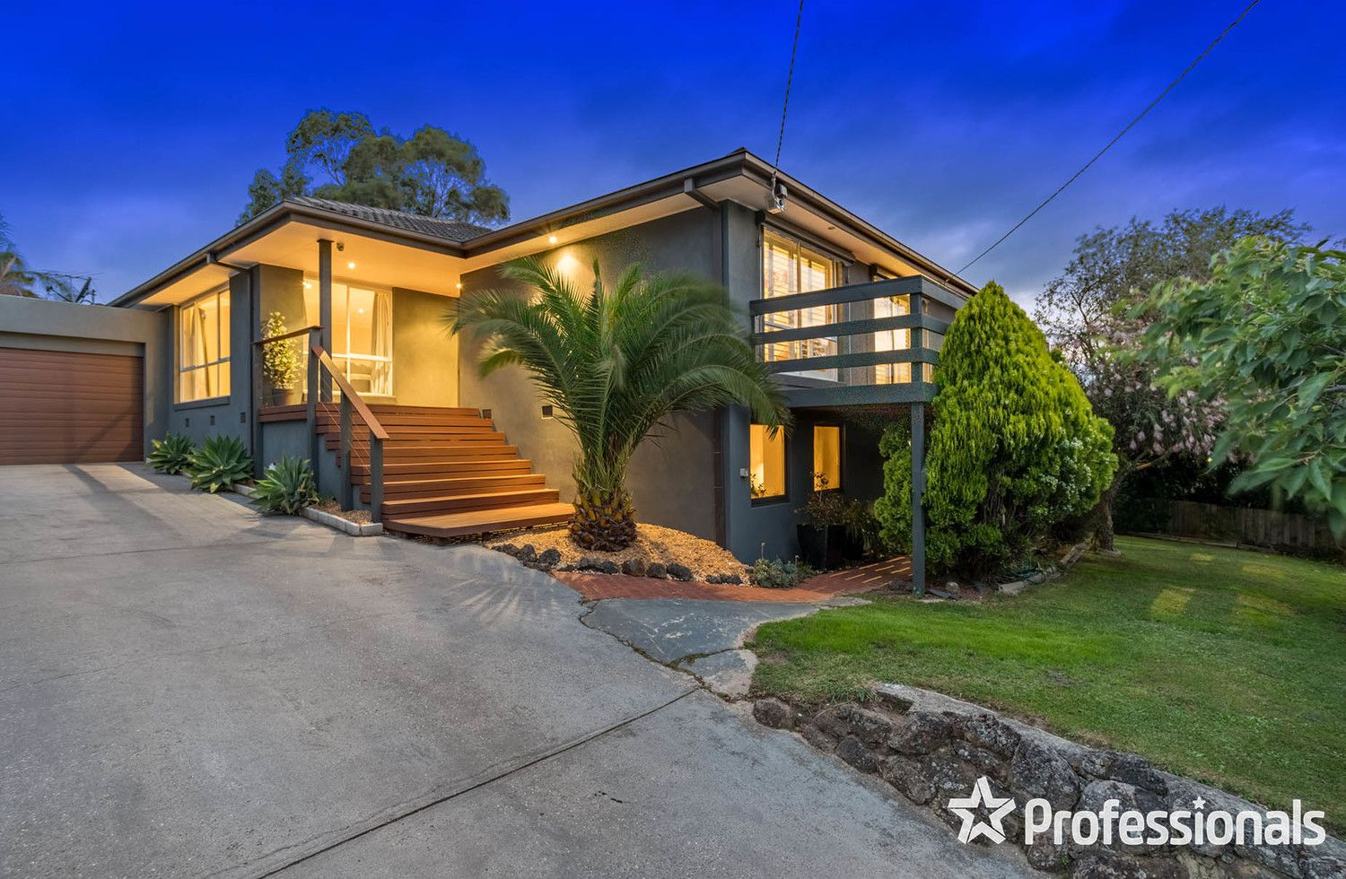 12 View Point Drive, Chirnside Park VIC 3116, Image 0