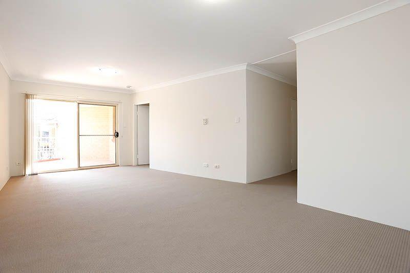 11/8 Gibbs Street, Miranda NSW 2228, Image 2