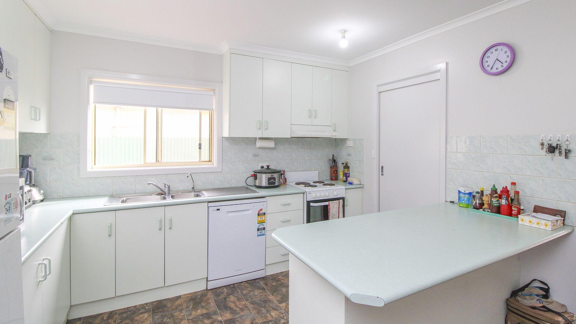 12 Stipa Street, Goolgowi NSW 2652, Image 2
