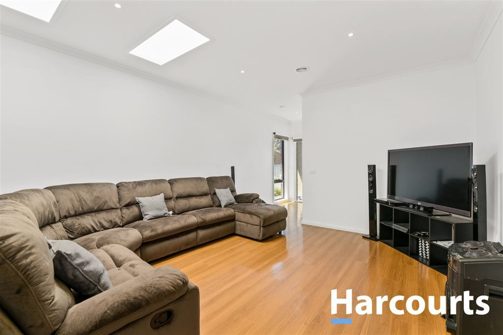 47 Harry Street, Cranbourne VIC 3977, Image 2